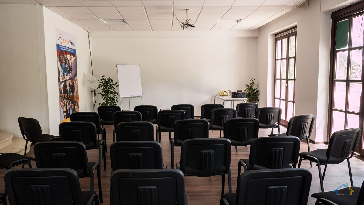 conference-room-2-1[1]